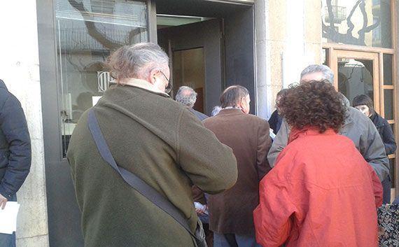 Entrada dels Jutjats de Falset, el 29 de desembre. Foto: Priorat per la Independència