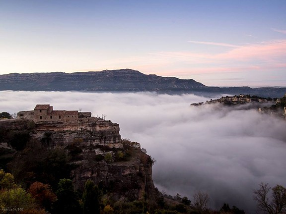 «Mar de núvols després d'escalar a Siurana», guanyadora del concurs «L'aventura de la teva vida», organitzat per National Geographic juntament amb Renault. Foto: Toni Lluch Jordana.