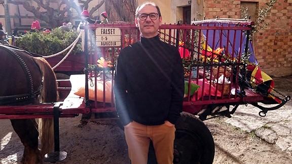 Fede Cortés, a la plaça de l'Església de Falset, el diumenge d'Encamisada. Foto: Carles X. Cabós.