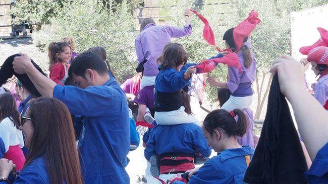 Els Brivalls de Cornudella i els Castellers d'Altafulla van oferir una actuació castellera emmarcada dins la Jornada Gastronòmica de Cornudella de Montsant. Foto: Helena Miró